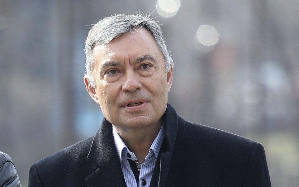 Георги Попов: Нека Бойко Борисов да прехвърли акциите на легендите 1