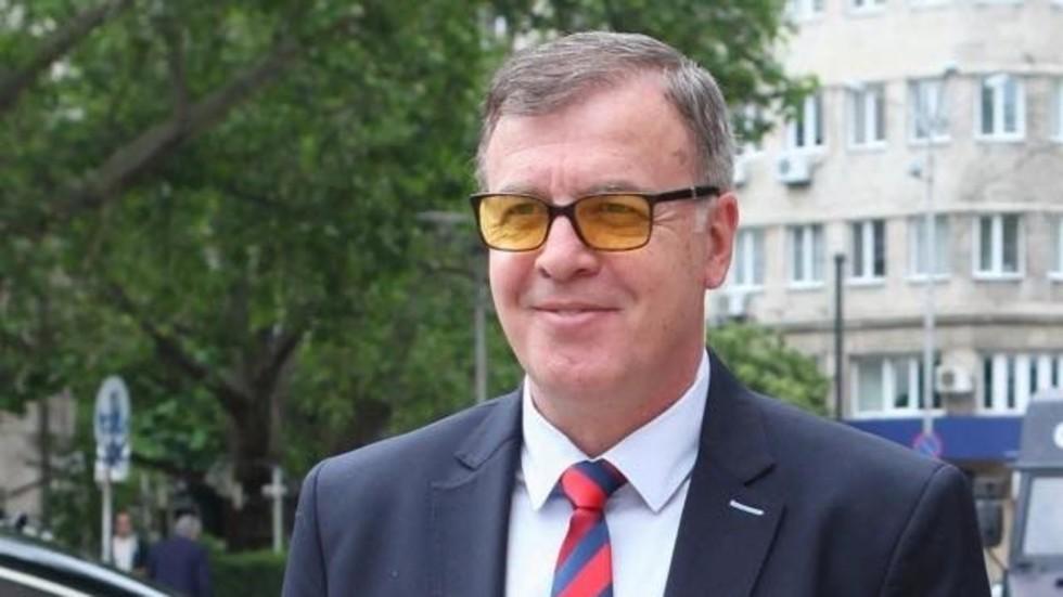Официално: Наско Сираков е новият собственик на Левски 1