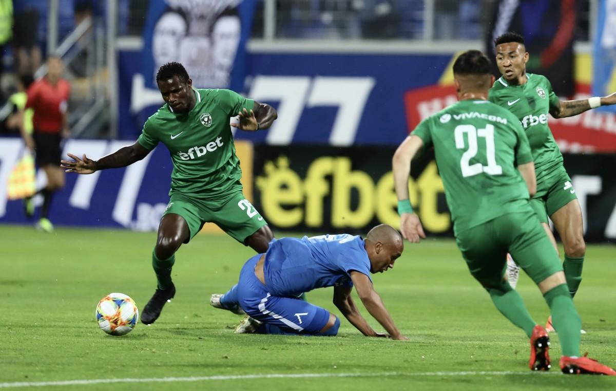 Лудогорец надигра Левски и е на един мач от непобедим сезон 1