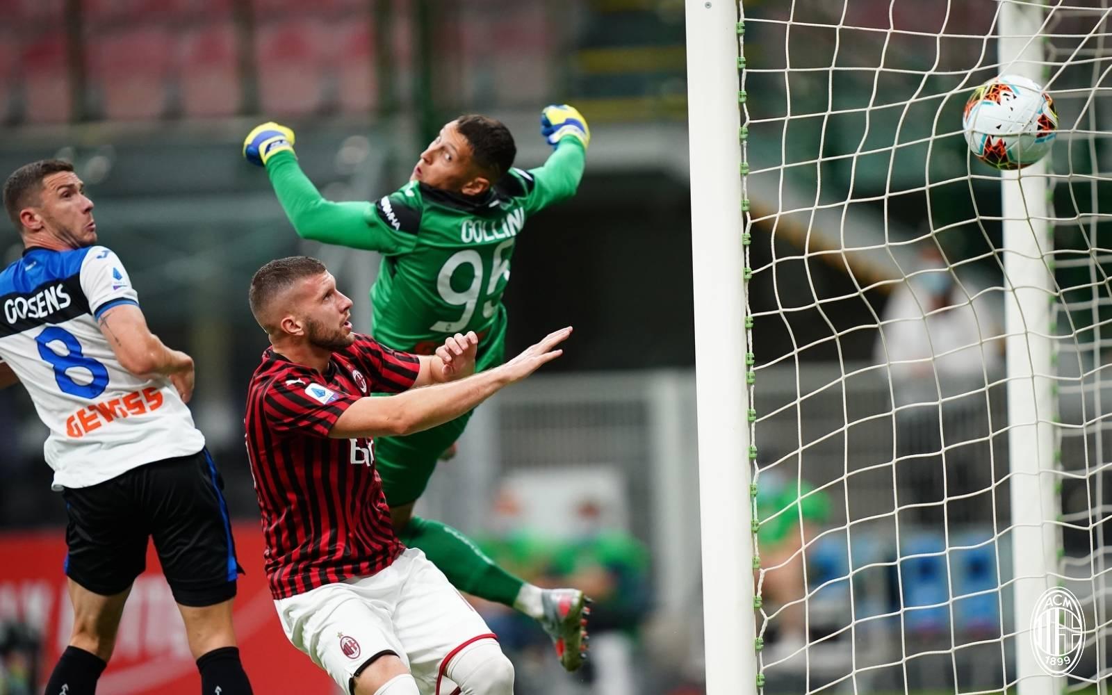 Равенство между Милан и Аталаната, силните им серии продължават 1
