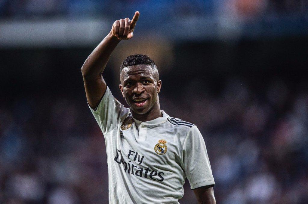 Реал Мадрид победи Барселона и окупира първото място