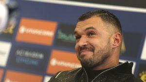 Божинов изчетка Ясен Петров: Най-големият си! (ВИДЕО)
