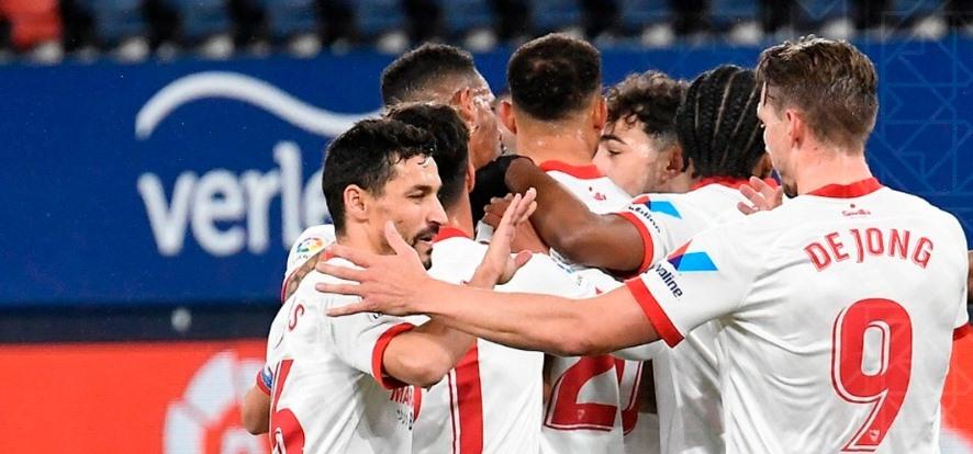 Севиля записа шеста поредна победа в Ла Лига и измести Барселона 1