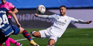 Реал отнесе Уеска и изкачи върха в Ла Лига