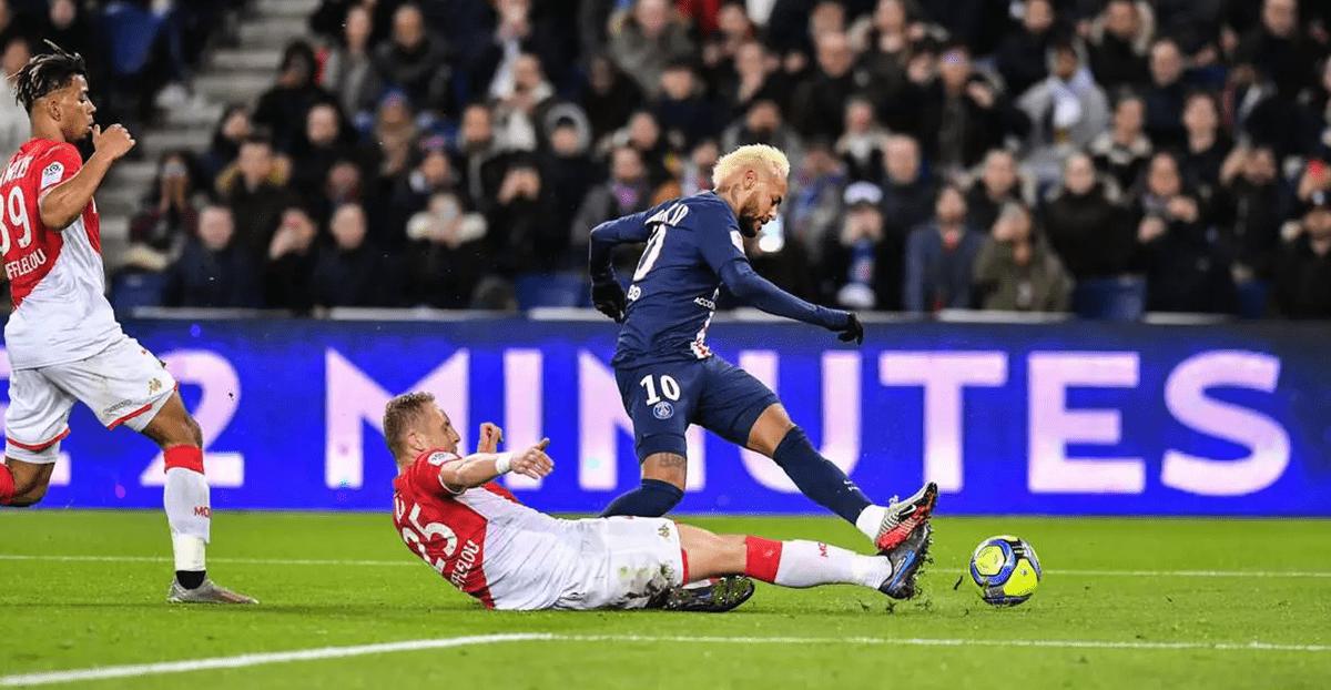 Монако спря победния ход на ПСЖ в 20-ия кръг на френската Лига 1