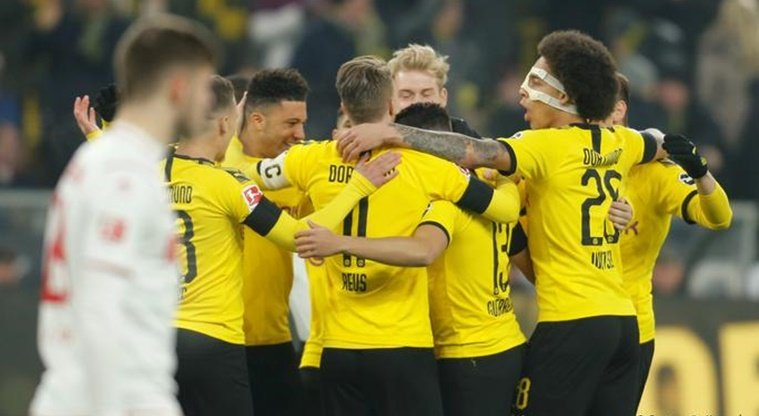Борусия Дортмунд отново вкара 5 гола в Бундеслигата, Холанд отново блести и счупи рекорд