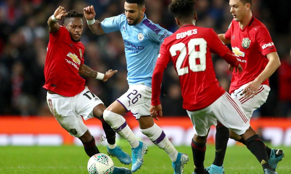 """Ман Юнайтед спечели дербито със Сити, но """"гражданите"""" са на финал за Купата на Лигата"""
