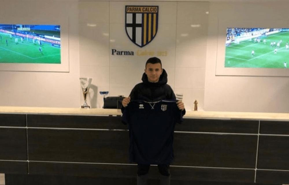 Играчът на Славия Божидар Костадинов отива в Парма