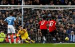 Карабао Къп: Манчестър Юнайтед готов да изхвърли феновете на Манчестър Сити