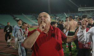 Венци Стефанов: Чакам 50 000 лв. от Левски за счупените седалки