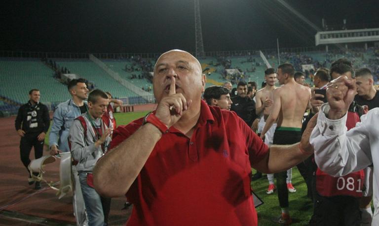 Венци Стефанов: Чакам 50 000 лв. от Левски за счупените седалки 1