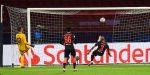 Автогол донесе три точки на Ливърпул в двубоя срещу Аякс 6