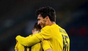Дортмунд срази Арминия с два гола на Хумелс