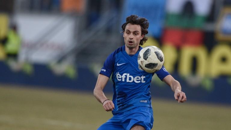 Райнов отказал по-добри оферти заради Левски 1
