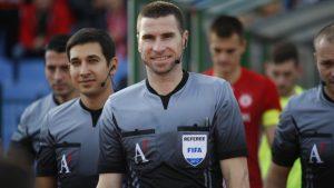 Български рефер ще свири мач на Рома