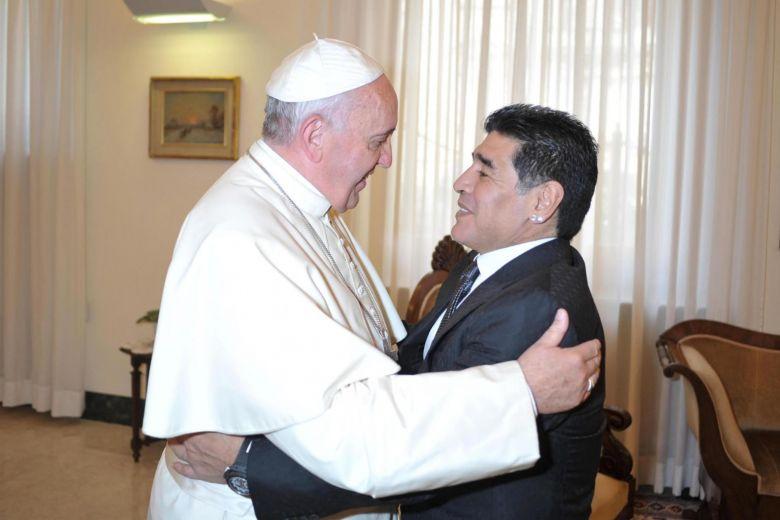 Папа Франциск за Марадона: Много деликатен човек, поет на терена 1