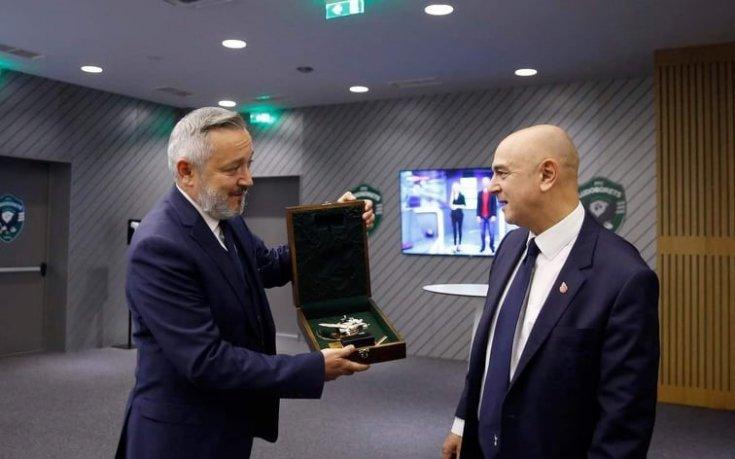 Лудогорец направи подарък на президента на Тотнъм 1
