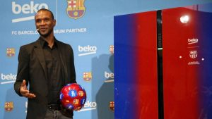 Барселона уволни и Абидал