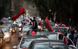 Зрелищен парад в Росарио подкани Меси да се върне у дома