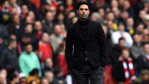 Арсенал търси нови попълнения, след като разкара петима играчи