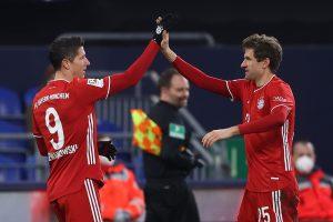 Байерн Мюнхен разгроми Шалке 04 и увеличи аванса си на върха