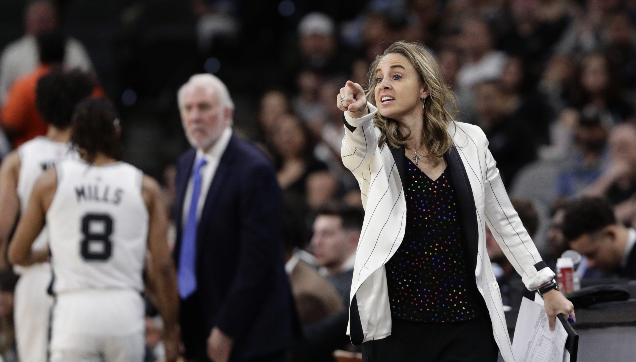 Историческо: Жена води тим в НБА 11