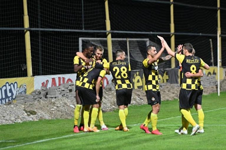 Ботев Пловдив мина през Оборище и е на 1/8-финалите за Купата 1