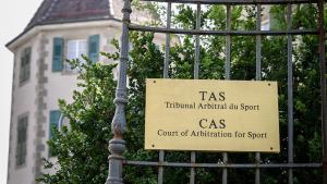Защитата на Устюгов обжалва решението на анти-допинговия панел