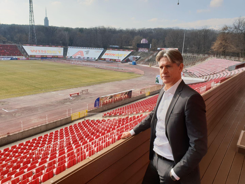 Бивш шеф на ЦСКА София преговаря с изпаднал от Премиър Лийг 1