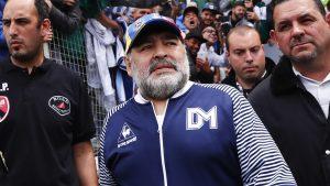 Легендата Марадона остава в болница заради проблеми с алкохола