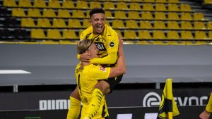 Безмилостен Дортмунд се разправи с Шалке 04 в Рурското дерби