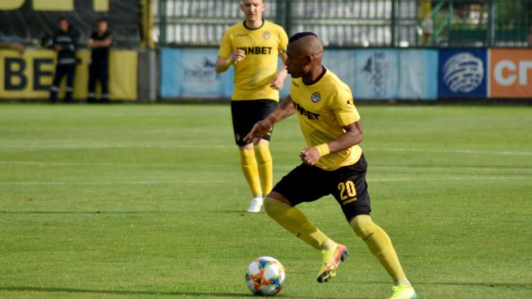Ботев Пловдив се раздели с Фабио Бурбано 1