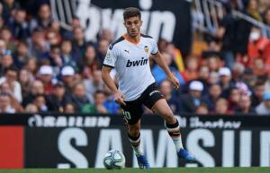 Два отбора от Висшата лига с оферти за звездата на Валенсия