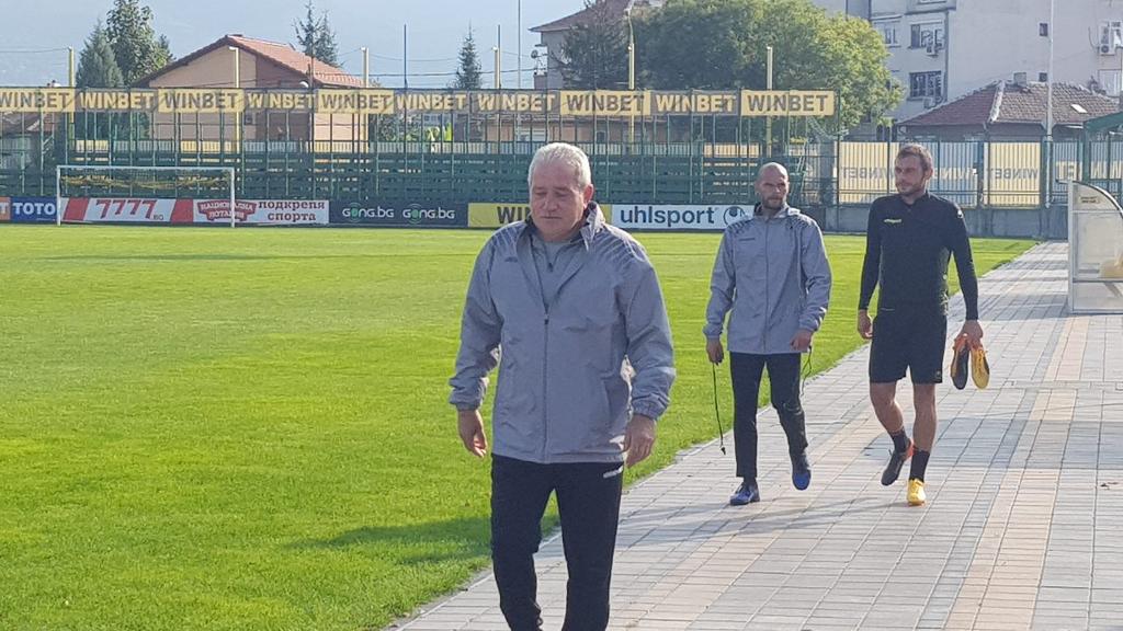 Ботев решава за Спасов в следващите дни