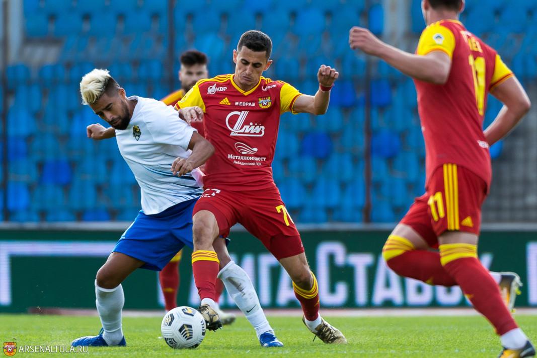 Български национал помогна на Арсенал да спре Зенит 1