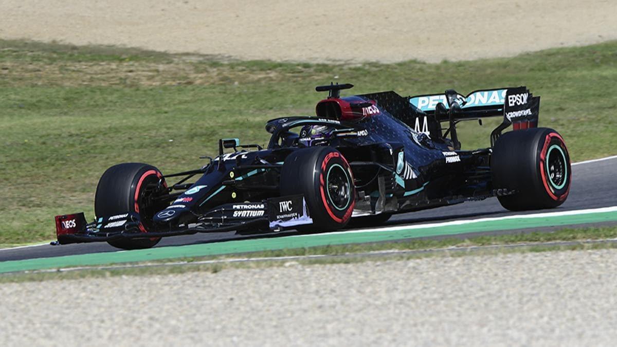 Люис Хамилтън ще потегли първи в Гран при на Тоскана 1