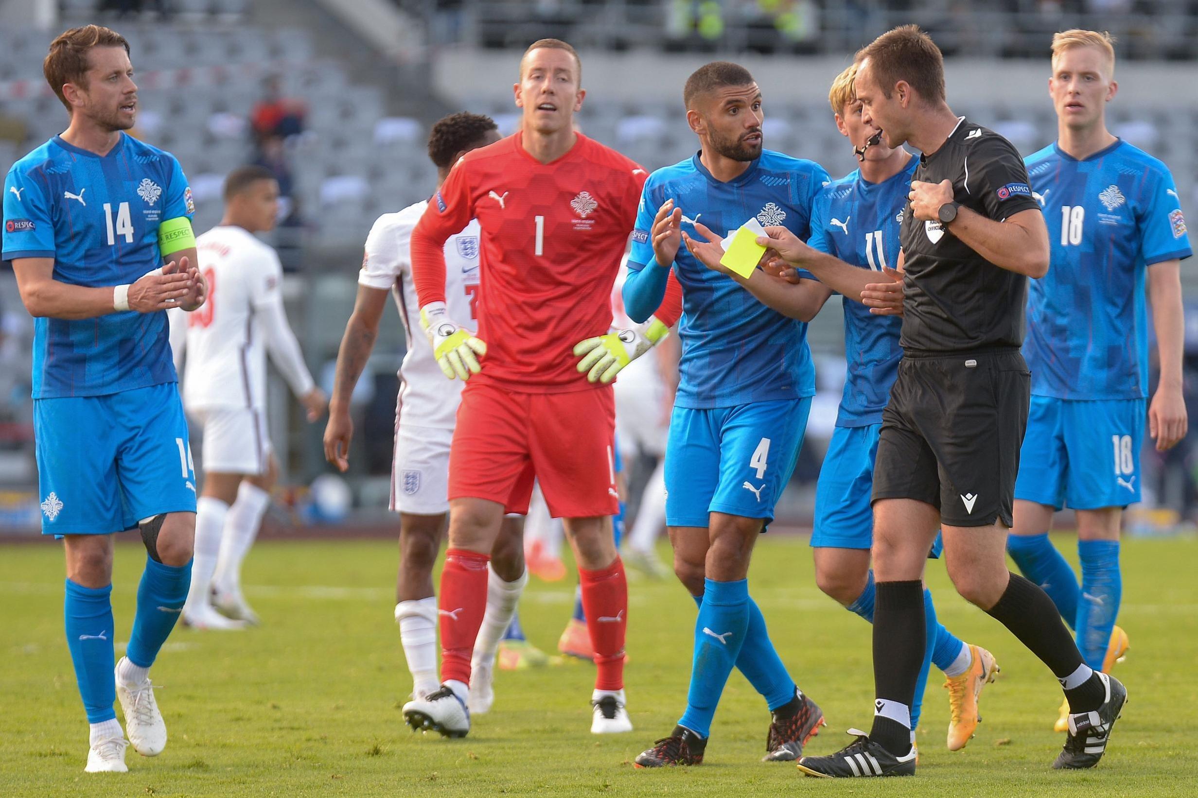 Англия измъкна победа в Исландия с дузпа в края 1