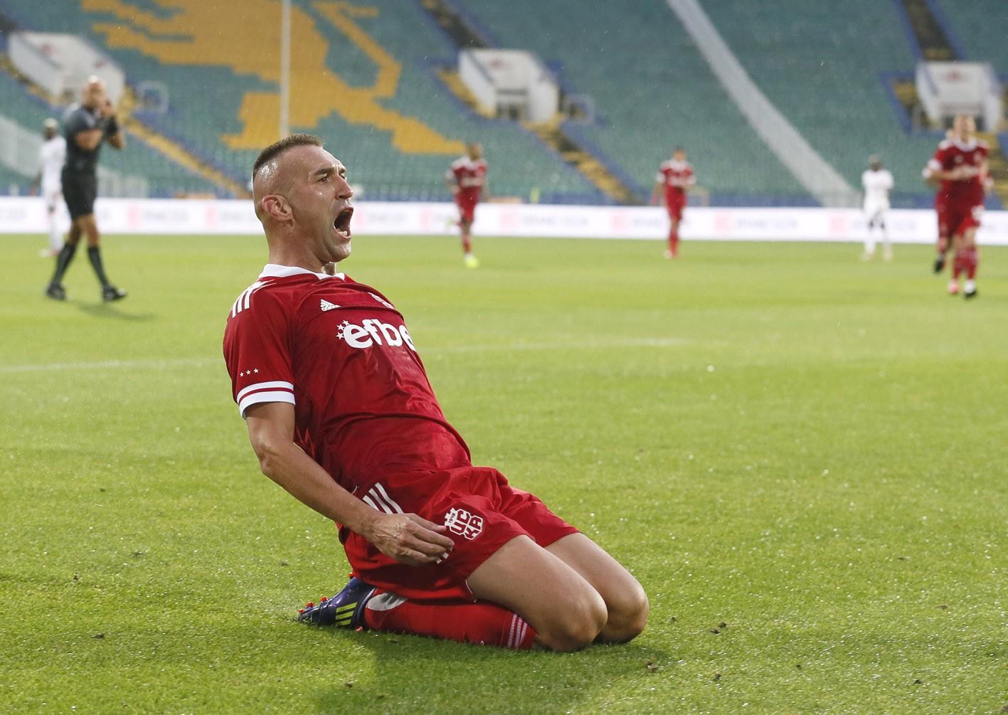 Камбуров: Постигаме перфектни резултати, не мисля да се отказвам 16