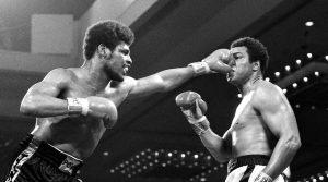 Почина боксьорът, детронирал Мохамед Али
