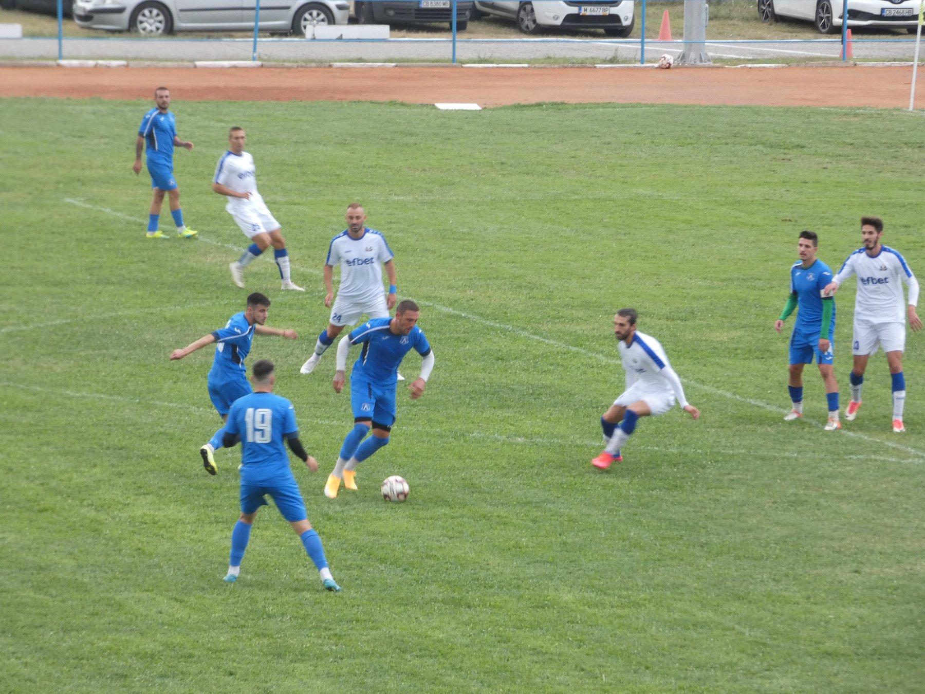 Левски Лом докосва върха след шеста поредна победа 1