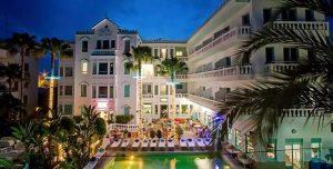 Меси отваря четвърти хотел