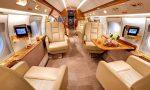 Меси превозва аржентинците, играещи в Европа, със своя самолет