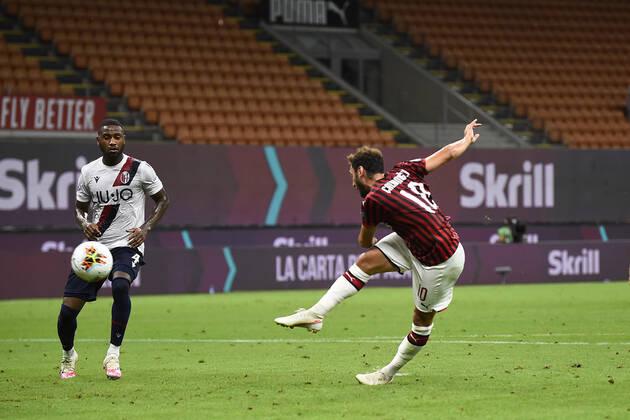 Вдъхновен Милан прегази Болоня за място в Топ 6 1