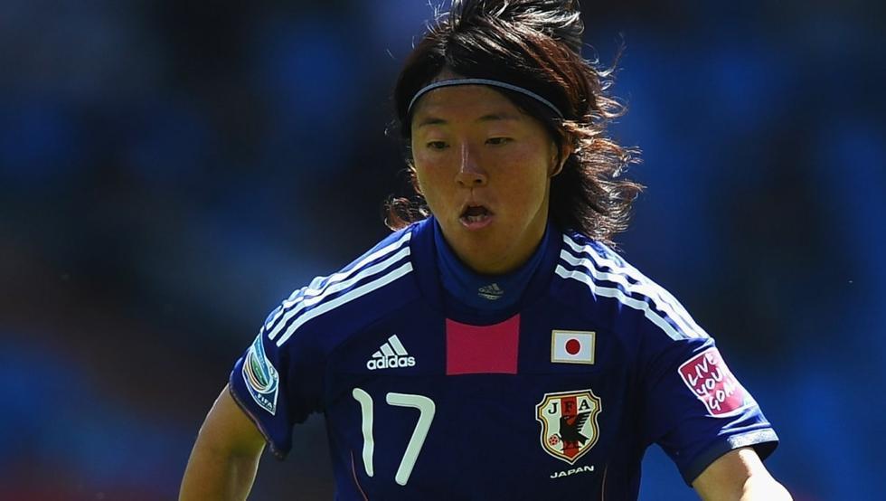 Японка ще играе в мъжки тим 1