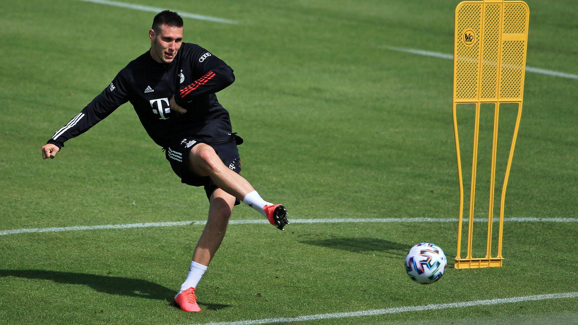 Защитник на Байерн Мюнхен е зарaзен с COVID-19 18