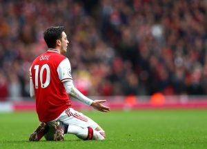 Кембъл: Йозил не е бъдещето и Арсенал трябваше да го продаде