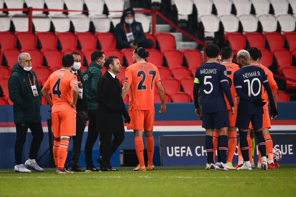 Скандал - прекратиха мач в Шампионската лига 1