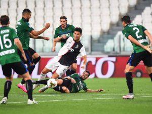Роналдо и две дузпи спасиха Ювентус срещу Аталанта