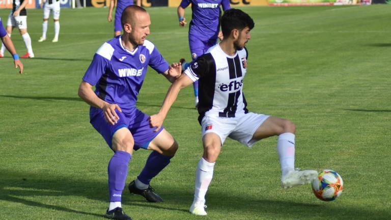 Халф на Локо Пловдив: Можем да играем срещу всеки клуб в света 1