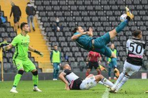 Фамозен гол на Ибрахимович донесе успеха на Милан срещу Удинезе